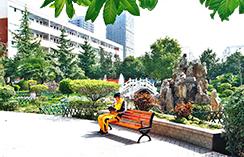 河南汽修学校,花园式校园